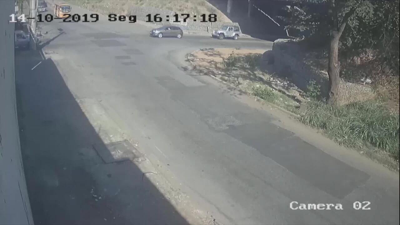 Vídeo mostra acidente com ônibus e carro no Anel Rodoviário de BH