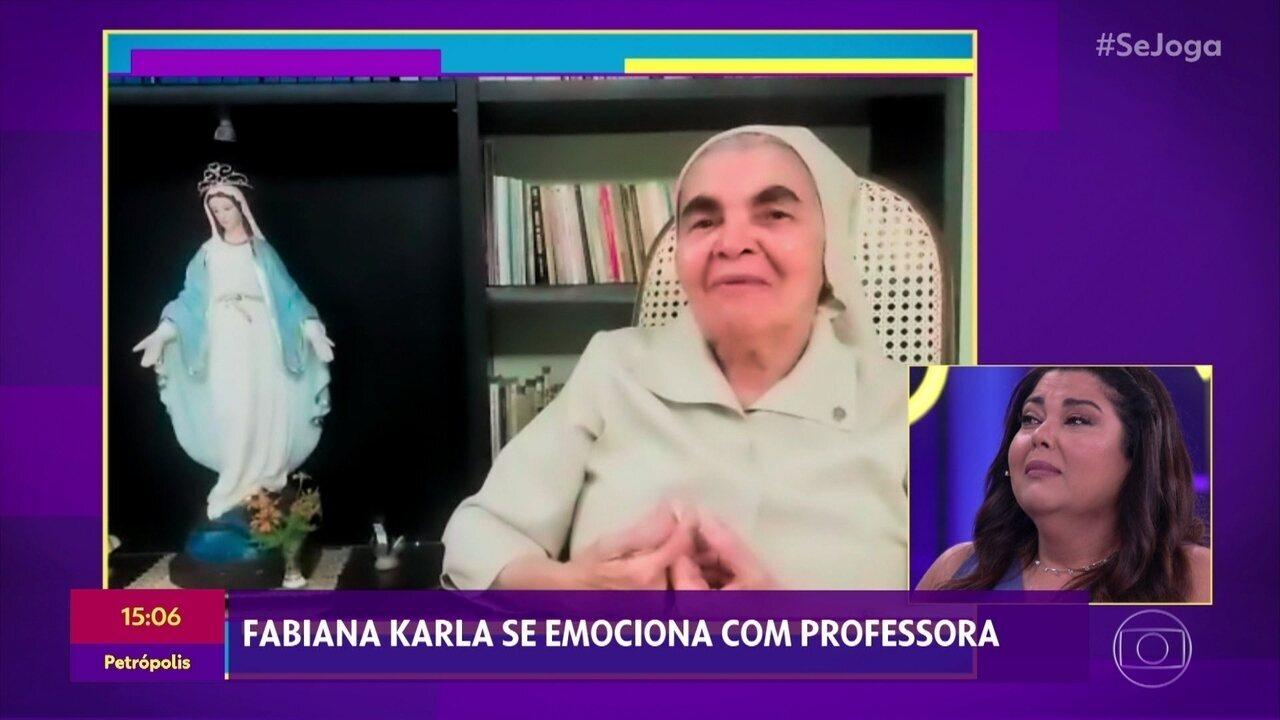 Fabiana Karla vai às lágrimas com mensagem da professora Clara