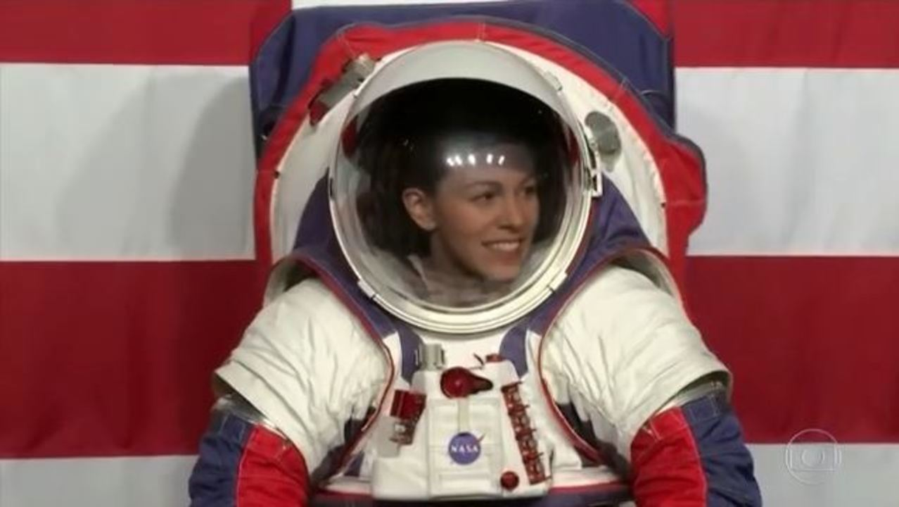 Nasa apresenta nova roupa espacial para próximas missões