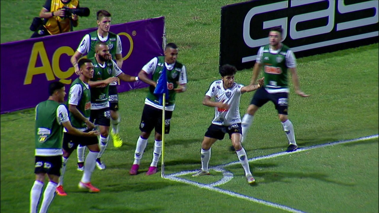 Gol do Atlético-MG! Luan vira o jogo aos 39' do 2º tempo