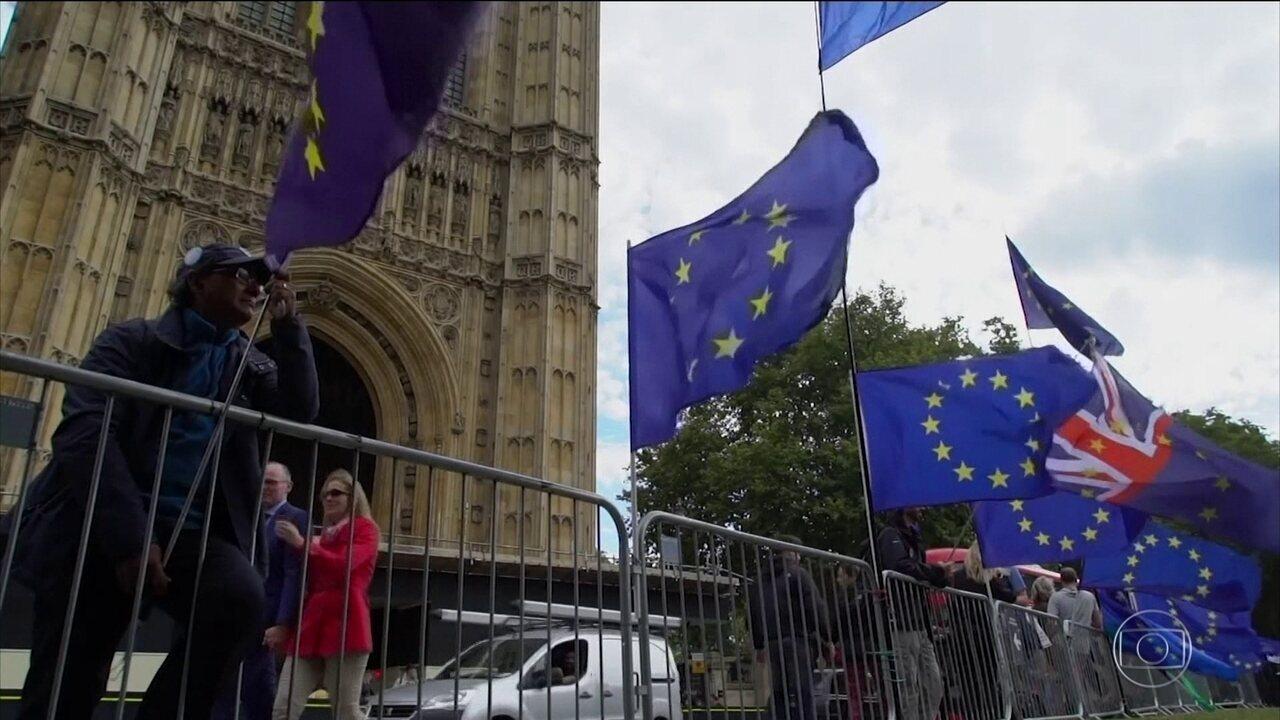 Primeiro-ministro e negociadores da União Europeia chegam a um acordo sobre o Brexit