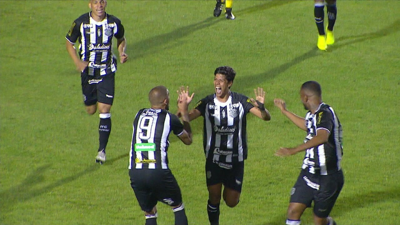 O gol de Paraná 0 x 1 Figueirense pela 30ª rodada do Campeonato Brasileiro Série B
