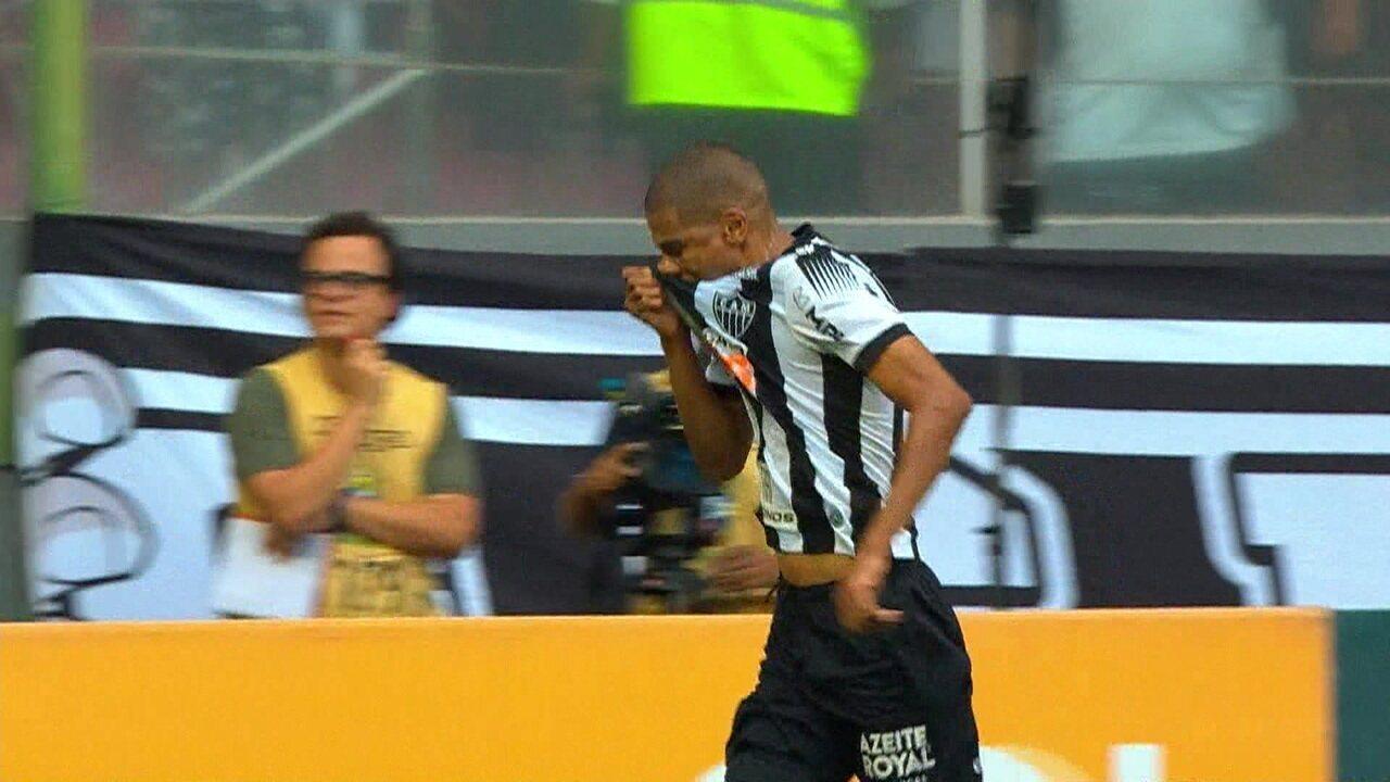 Melhores momentos de Atlético-MG 2 x 0 Santos pela 27ª rodada do Campeonato Brasileiro