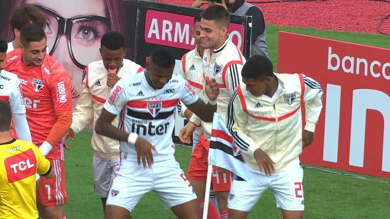 O gol de São Paulo 1 x 0 Avaí pela 27ª rodada do Campeonato Brasileiro 2019