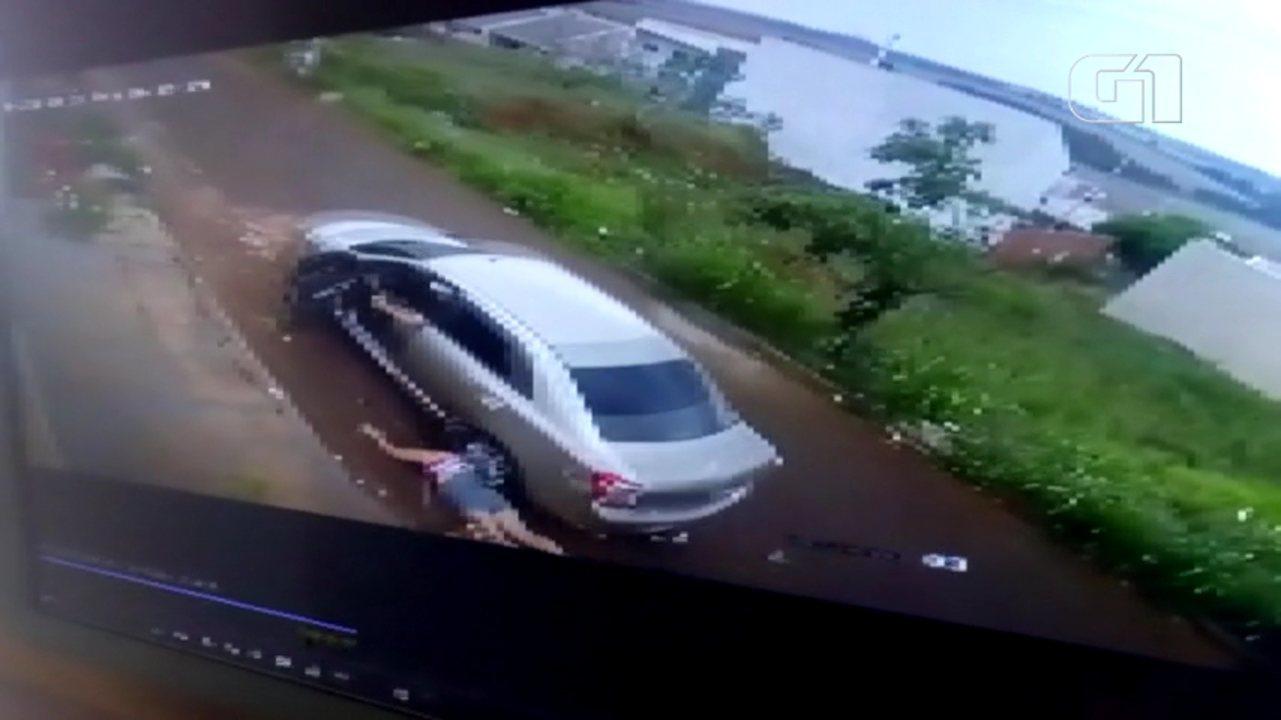Mulher é atropelada pelo ex-marido em Sarandi
