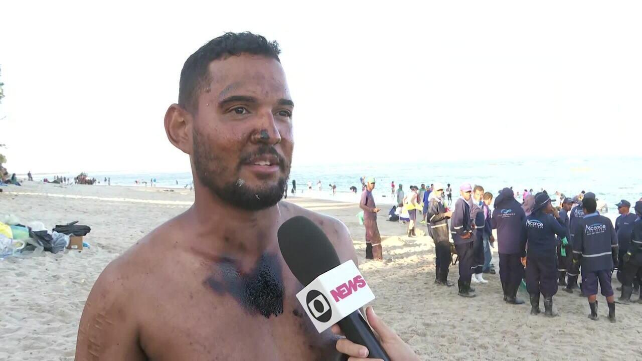 Manchas de óleo atingem novas praias em Pernambuco