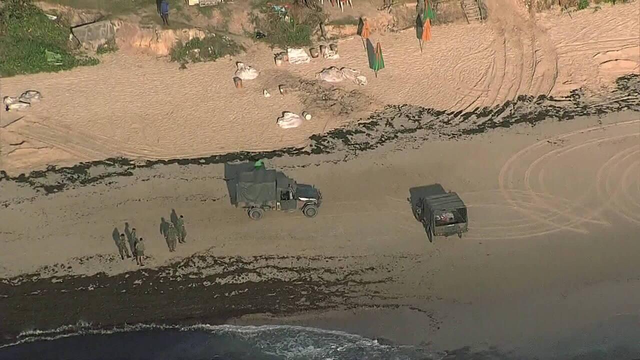 Exército começa a trabalhar para conter avanço de óleo no litoral do Nordeste
