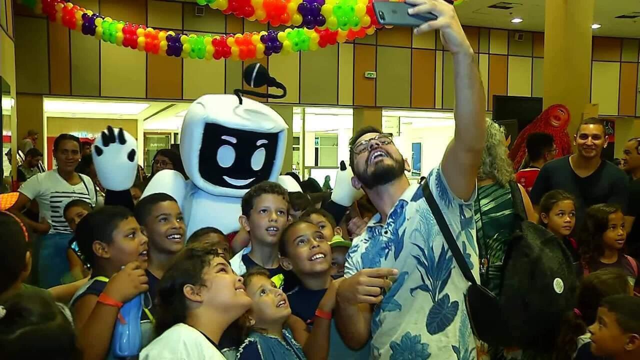 Salas de cinema recebem 400 crianças de escolas públicas e instituições de Natal