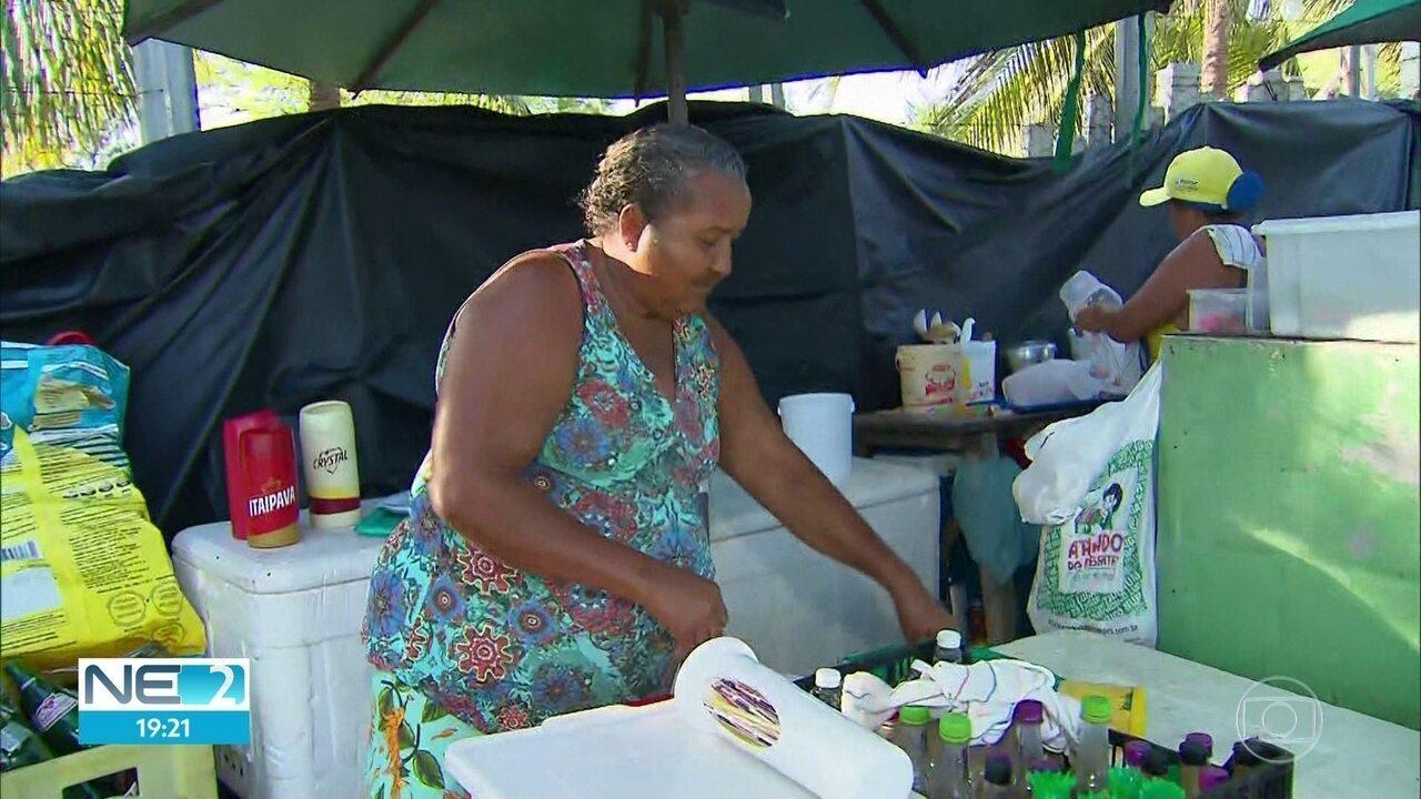 Pescadores relatam prejuízos após óleo invadir praias do litoral de Pernambuco