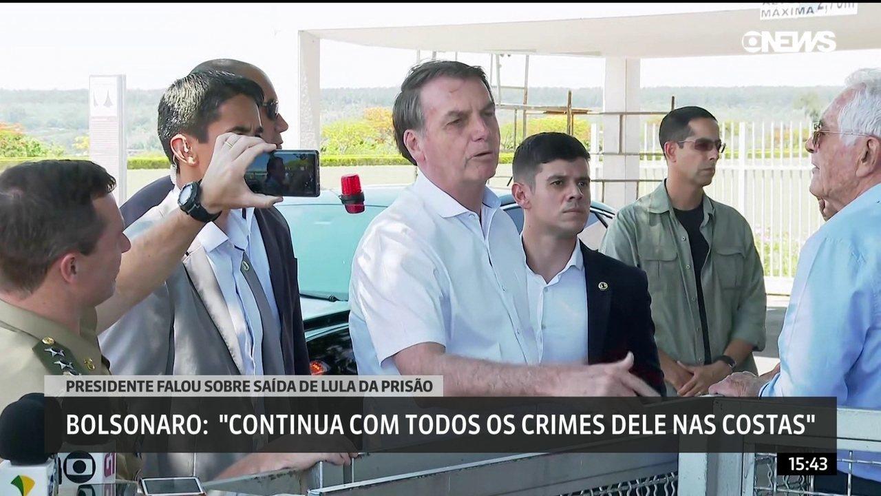 Bolsonaro chama Lula de 'canalha' e 'presidiário' um dia após petista deixar a prisão