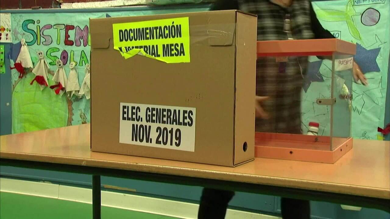 Espanhóis vão às urnas neste domingo (10) em meio a crise política