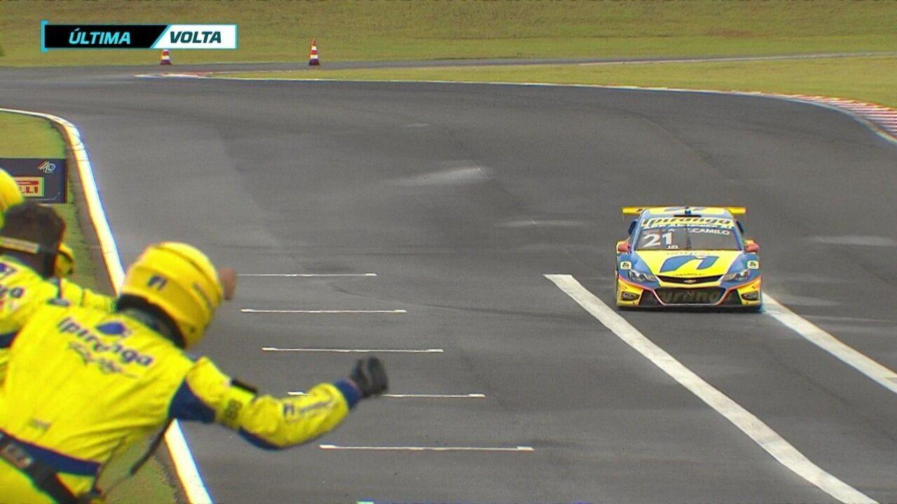 Veja a última volta da vitória de Thiago Camilo na primeira corrida da etapa de Mogi Guaçu da Stock Car