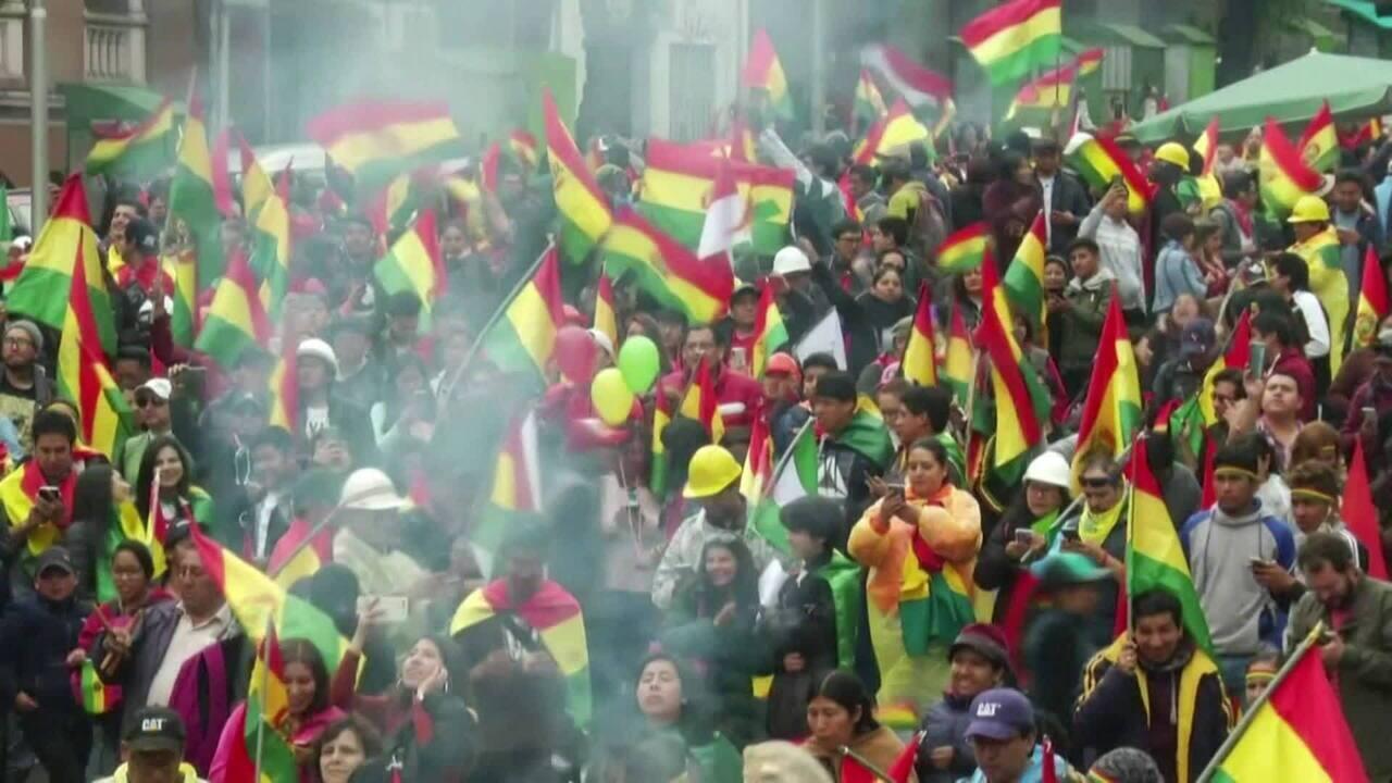 Bolívia vive vazio de poder após renúncia de Morales