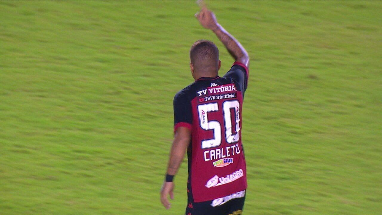 Gol do Vitória! Thiago Carleto bate forte e empata no Barradão, aos 28' do 2º tempo