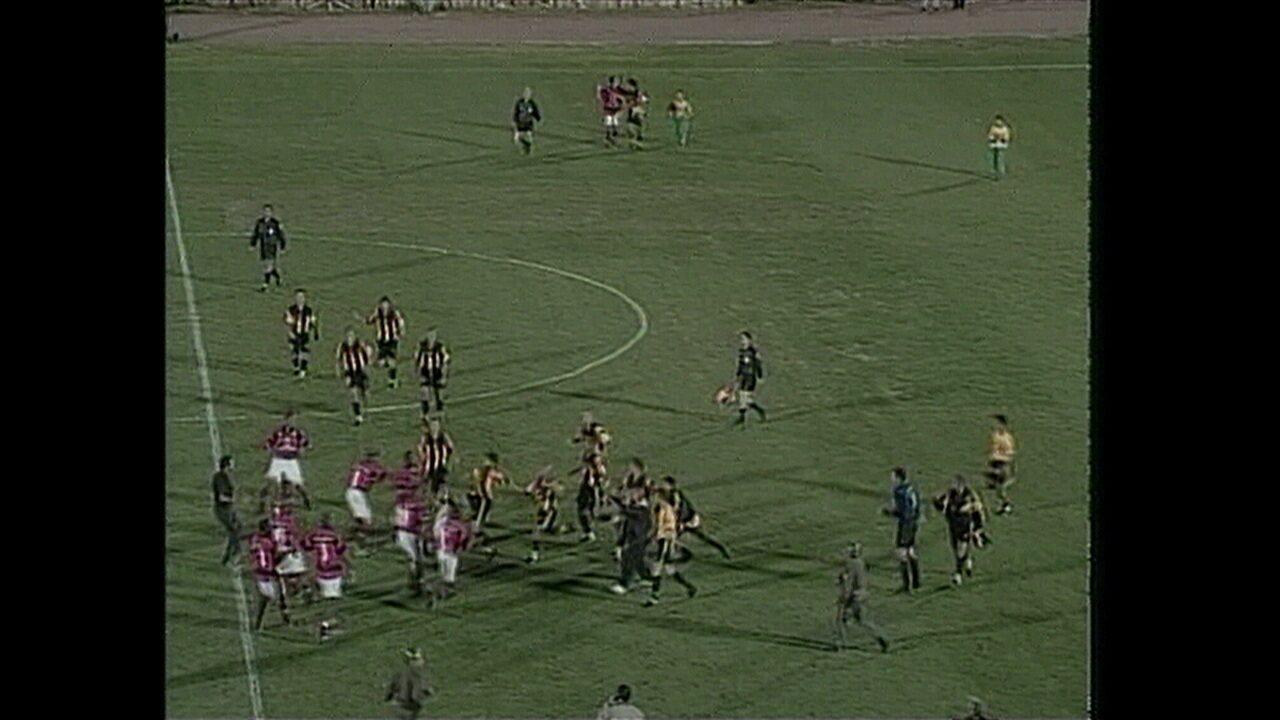 Os gols de Peñarol 3 x 2 Flamengo