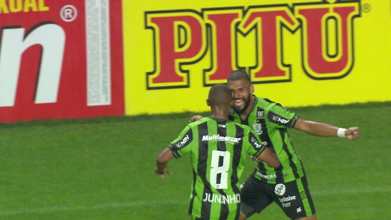 Gol do América-MG! Júnior Viçosa desvia e Juninho completa para as redes, aos 13' do 2º tempo