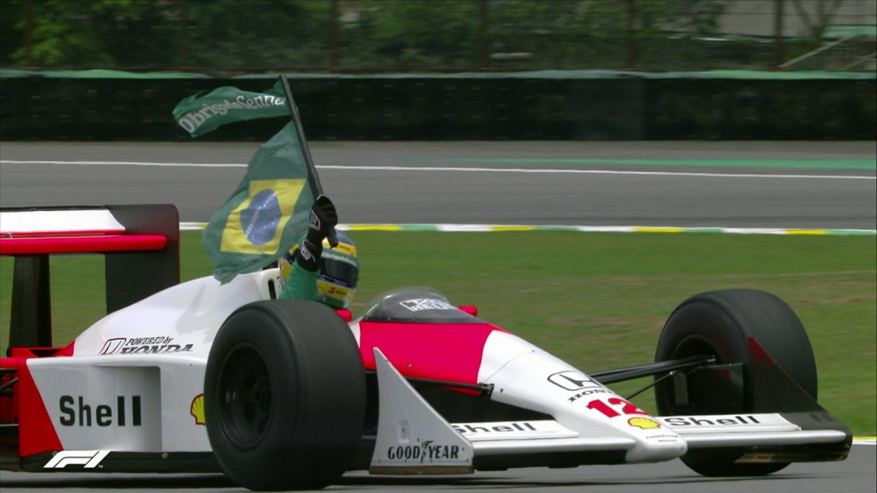 Bruno Senna dá volta com MCLaren e leva fãs ao delírio
