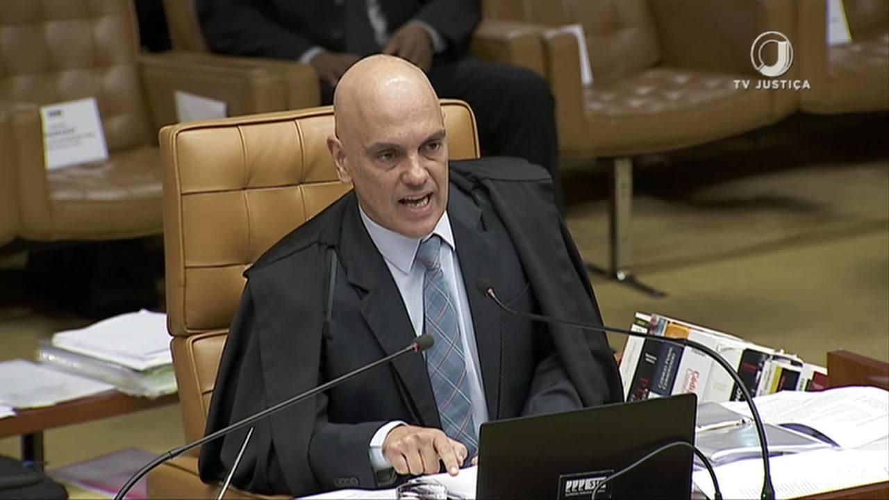 STF adia decisão sobre compartilhamento de dados fiscais sigilosos