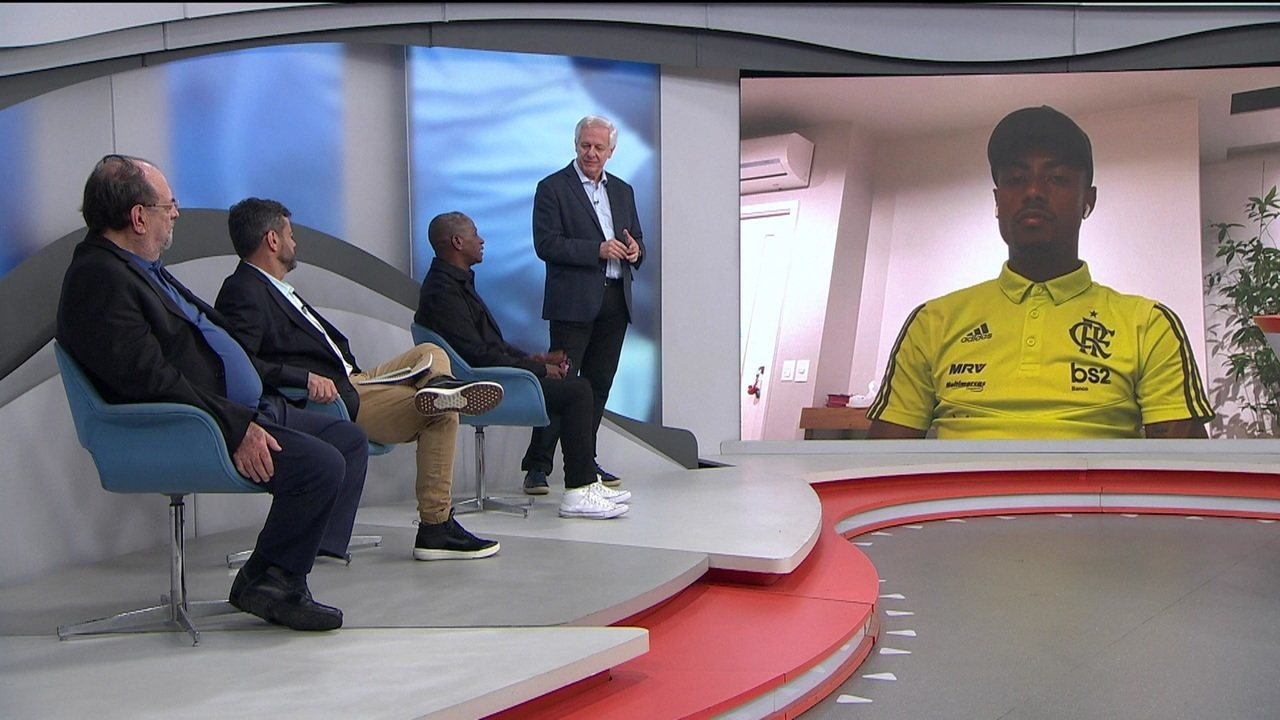 """Adílio fala com Bruno Henrique sobre Flamengo e Liverpool """"Vocês estão preparados para isso"""""""