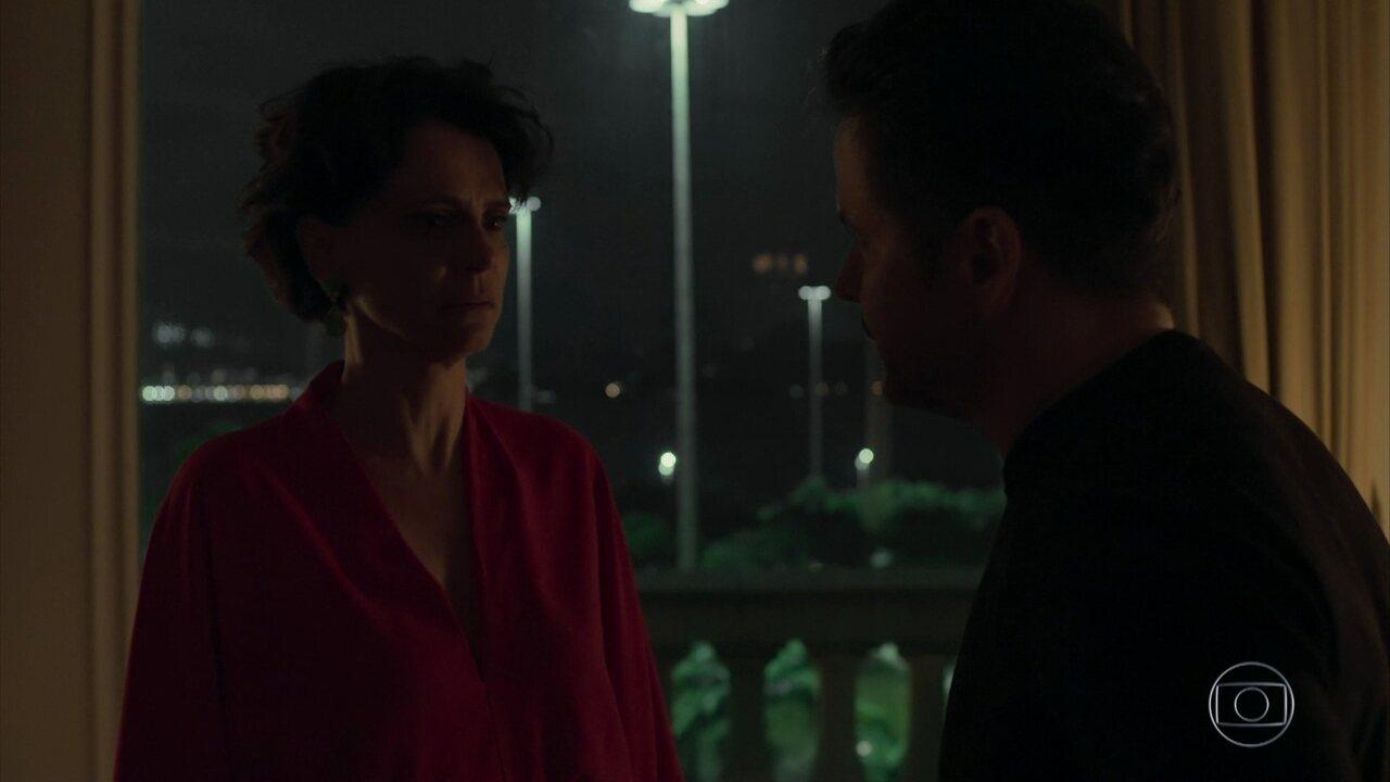 Raul pede o divórcio, e Lídia tem uma crise