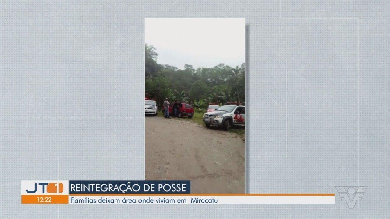 Moradores deixam sítio em Miracatu após reintegração de posse