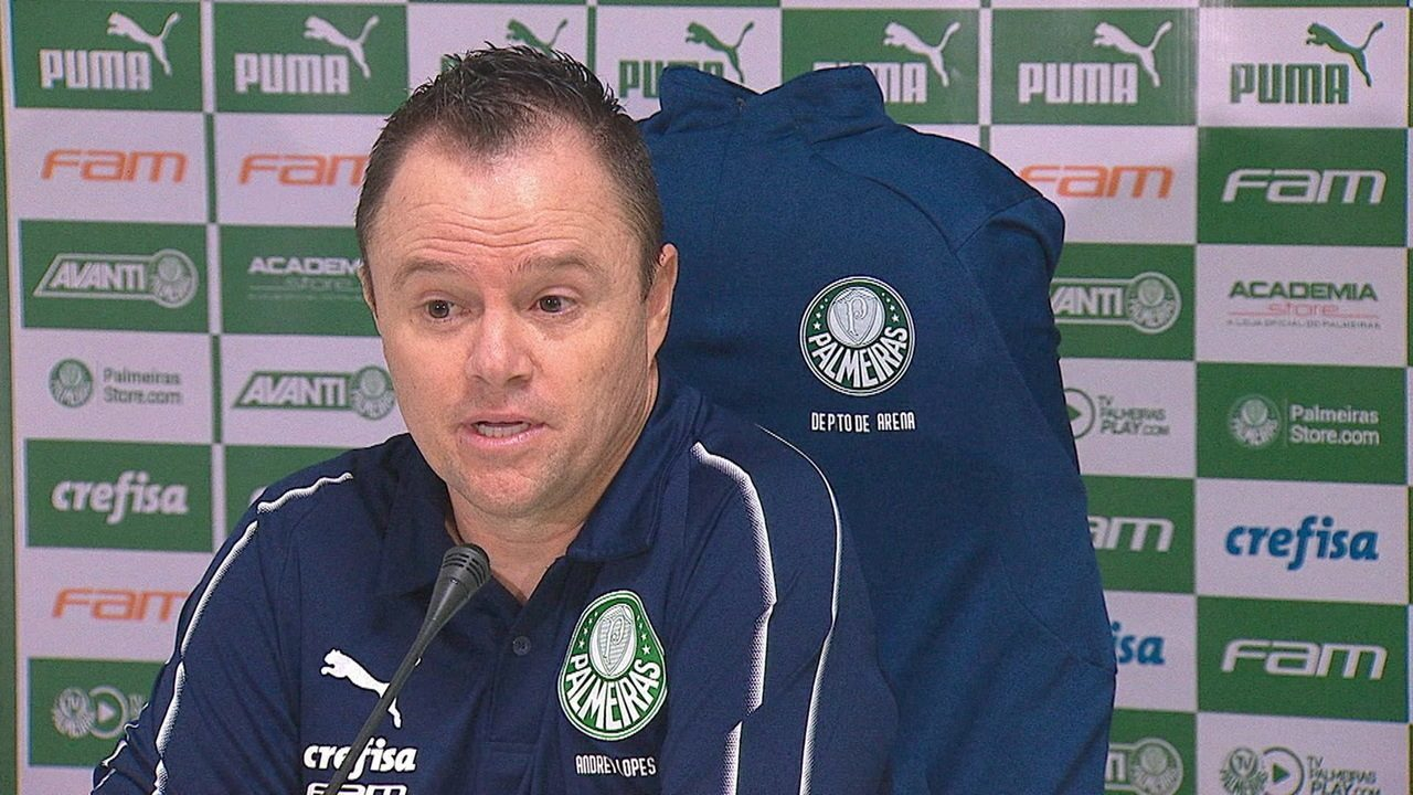 Técnico interino, Andrey Lopes comenta goleada do Palmeiras em cima do Goiás