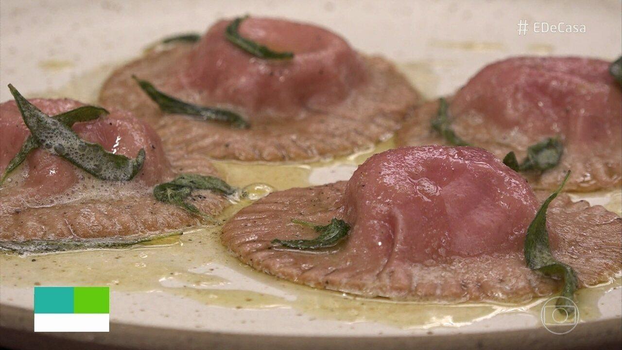 Aprenda a fazer Ravióli de Beterraba com queijo coalho e mel