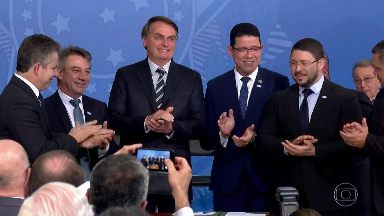 Bolsonaro assina MP para simplificar e modernizar a regularização da propriedade de terras