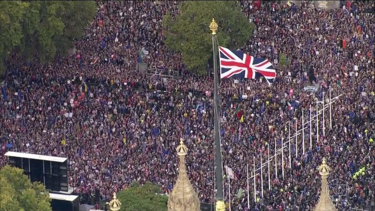 Conservadores devem ter ampla maioria no Parlamento britânico