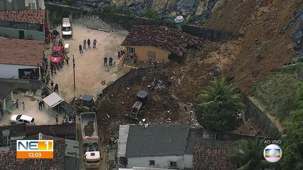 Deslizamento de barreira deixa sete mortos no Recife