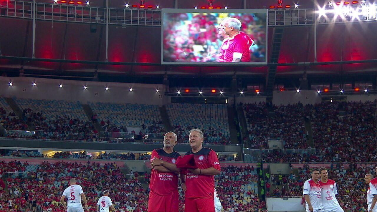Maestro Junior se emociona com homenagem de Zico no Maracanã