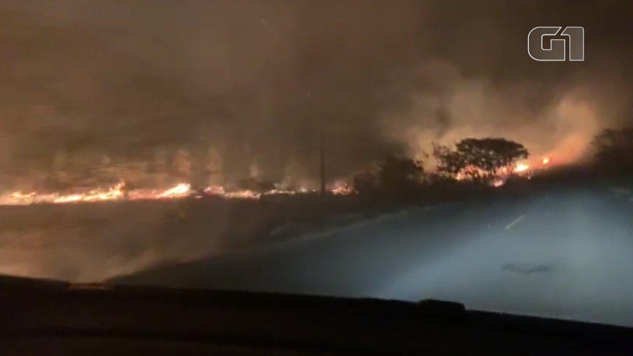 VÍDEO: Incêndio atinge vegetação na zona rural da Barra da Choça