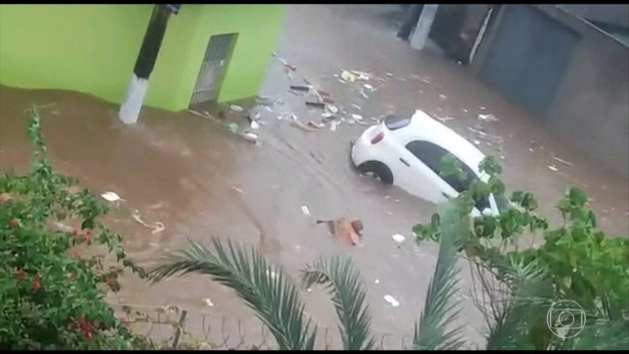 São Paulo fica em estado de atenção após fortes chuvas