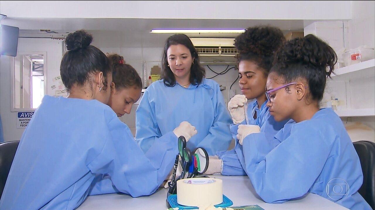Fiocruz-PE oferece estágio para incentivar jovens meninas na área da ciência