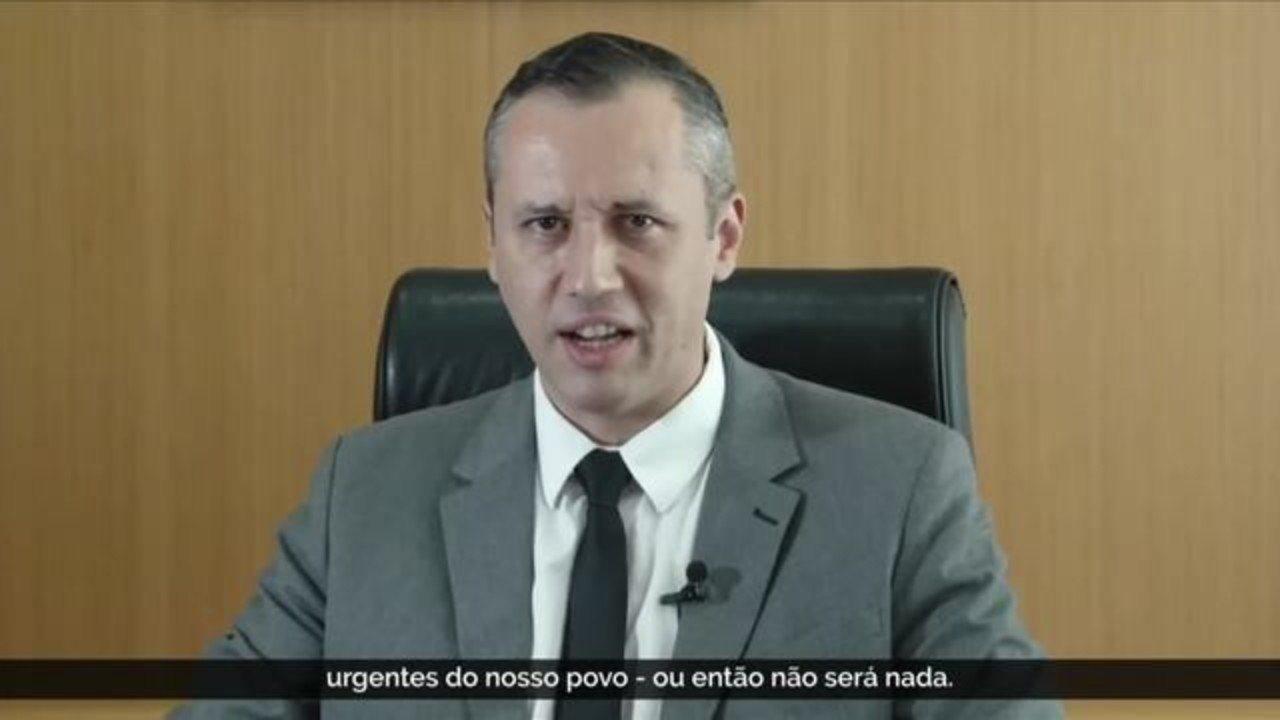 Bolsonaro exonera secretário Roberto Alvim