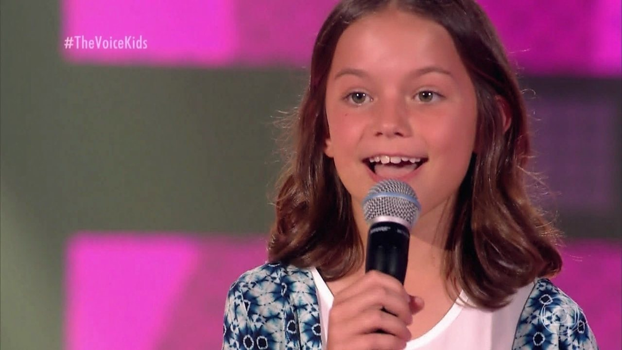 Luiza Gavazza canta 'Valerie' nas Audições às Cegas
