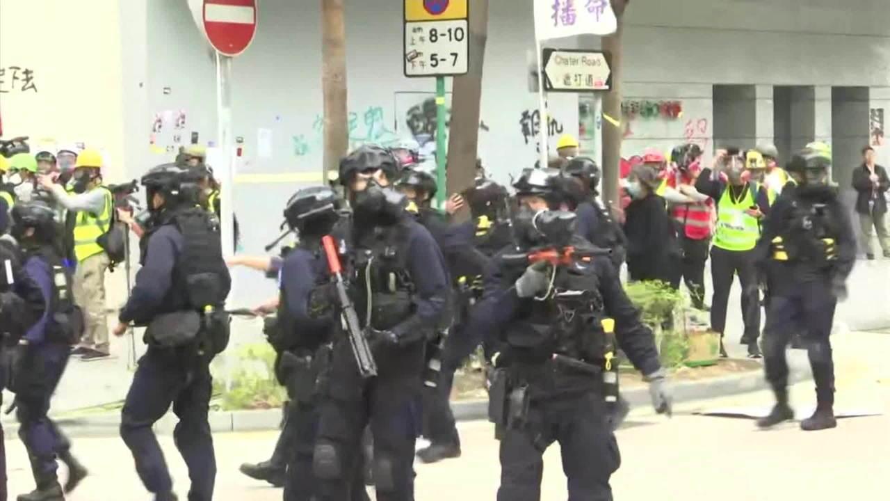 Manifestantes são presos em marcha contra o governo chinês