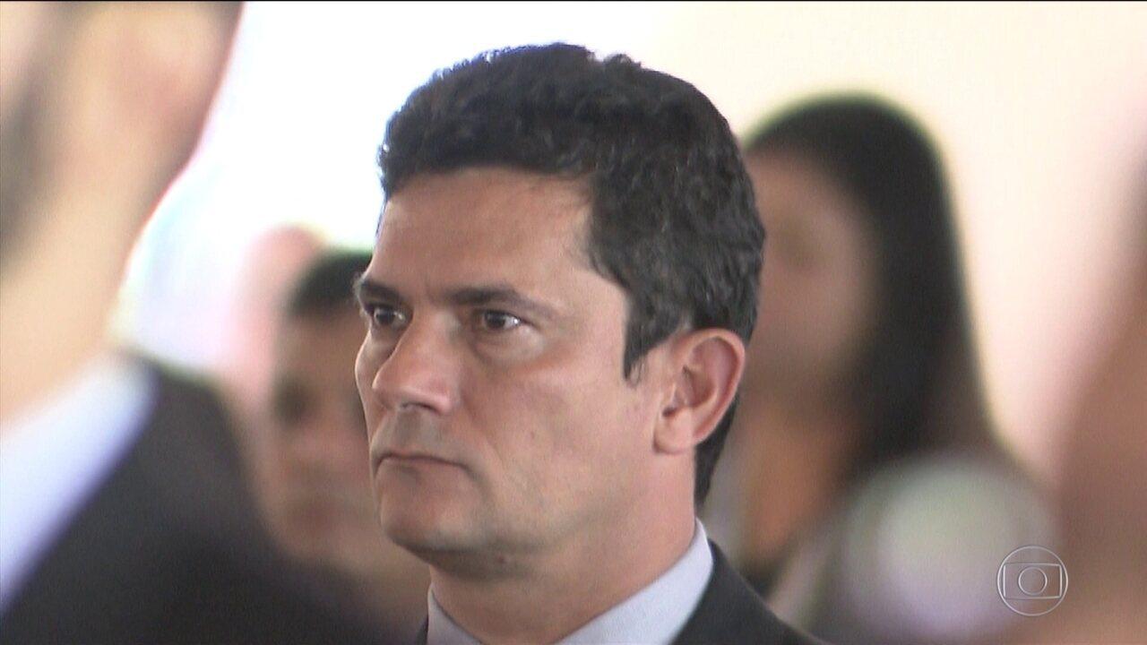Bolsonaro admite recriar Ministério da Segurança e reduzir alcance de Moro