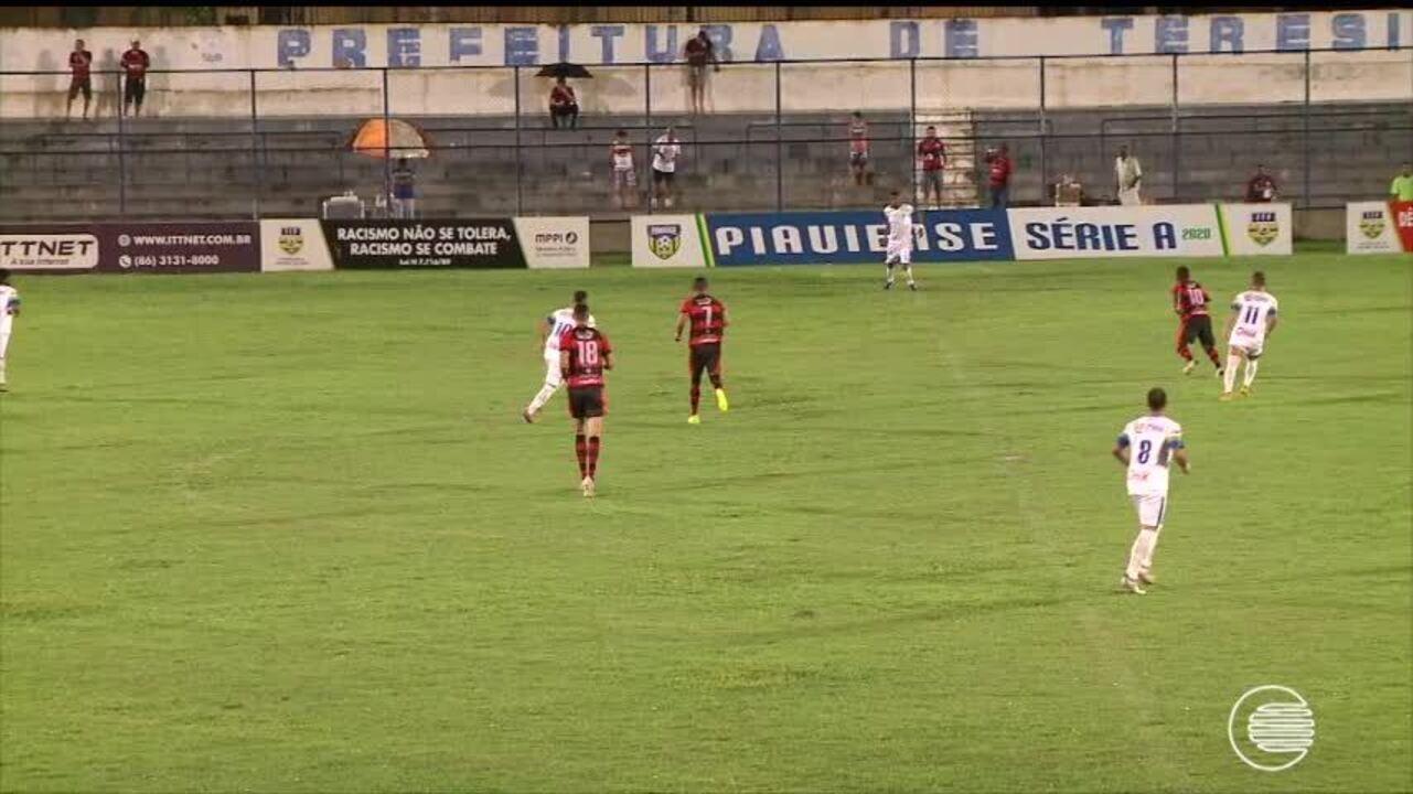 Altos vence o Flamengo-PI por 2 a 0 e vira líder do Piauiense