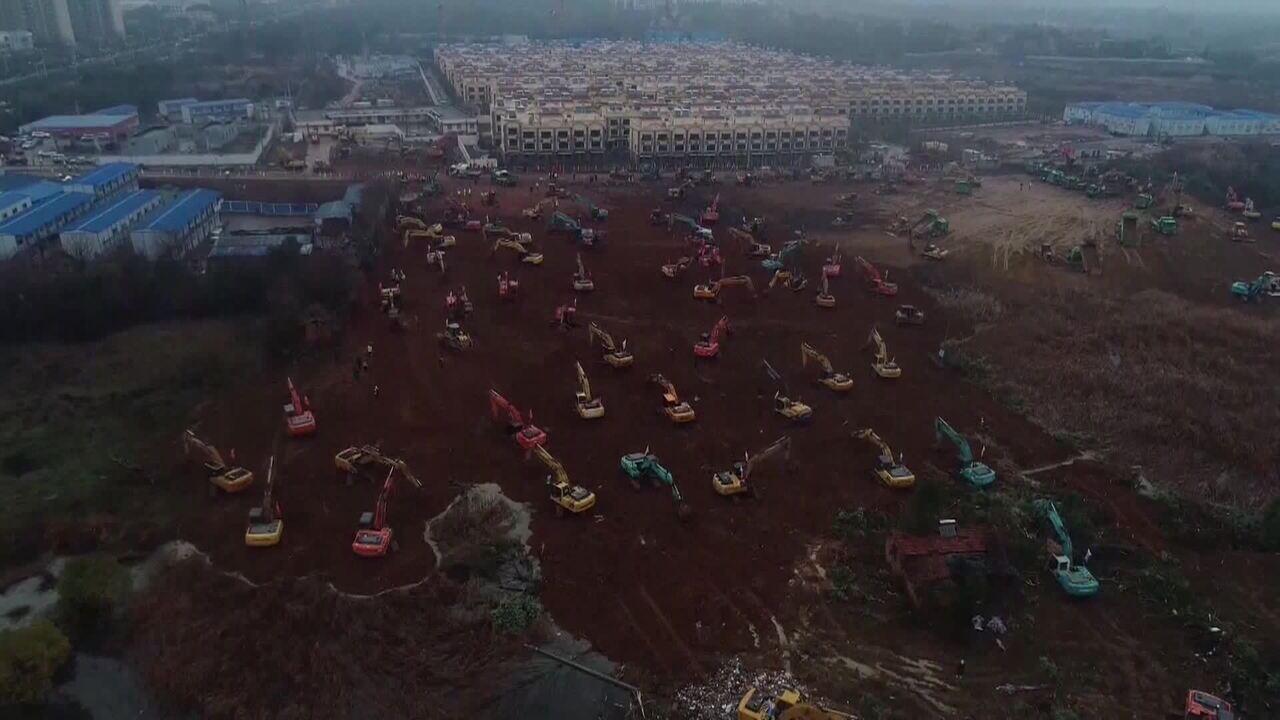 China corre contra o tempo para construir hospital para tratar novo coronavírus