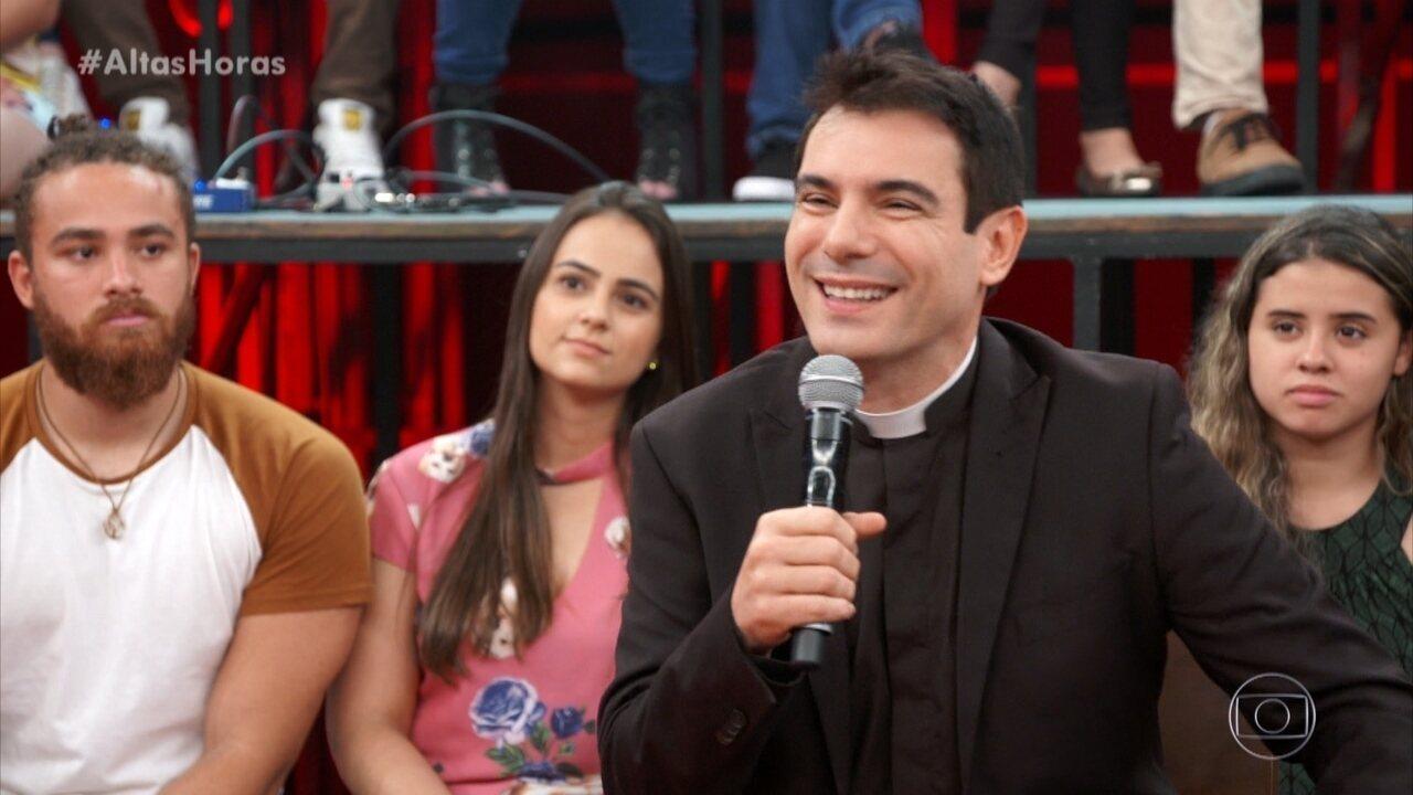 Padre Juarez conta que pais não o apoiaram