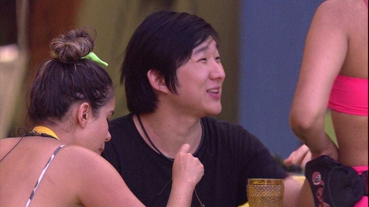 Pyong brinca sobre refeição: 'A Xepa é melhor'