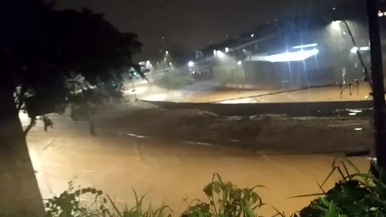 Temporal atinge Belo Horizonte na noite desta terça-feira (28)