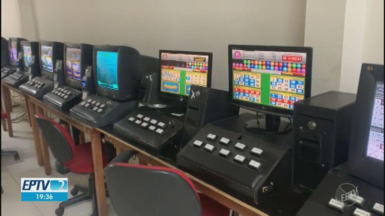 Polícia Civil fecha bingo em Americana e apreende 30 máquinas caça-níqueis