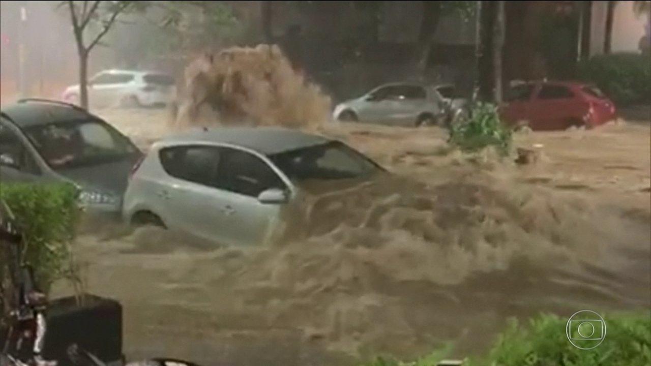 Temporal em Belo Horizonte provoca destruição e cenas assustadoras