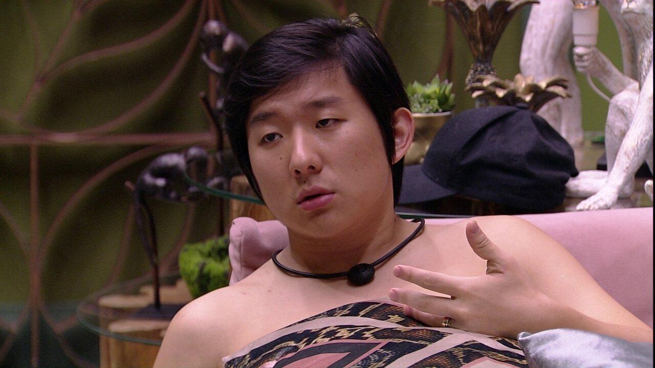 Pyong pergunta para Hadson: 'Eu sou teu alvo?'
