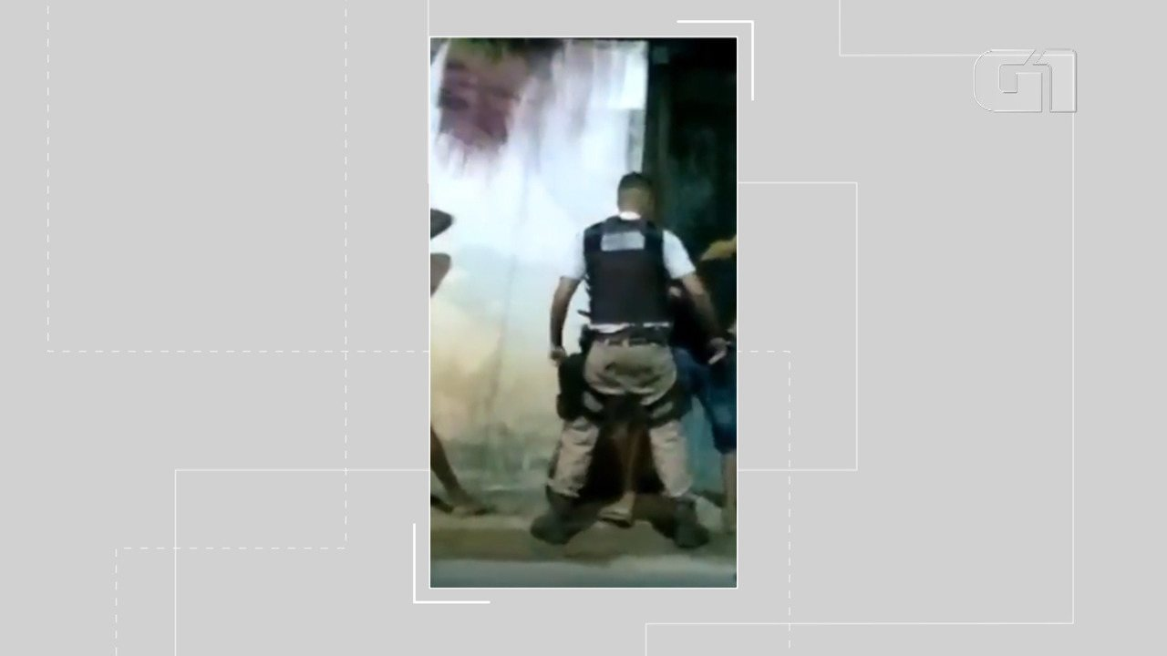 Vídeo mostra truculência e racismo de policial em durante abordagem