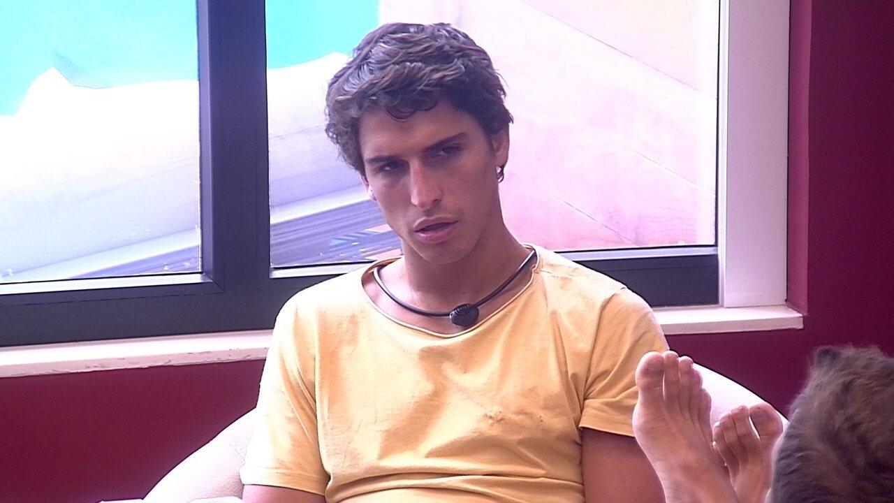 Felipe diz que sister mudou com ele: 'Dá pra ver que ela não está a mesma coisa'