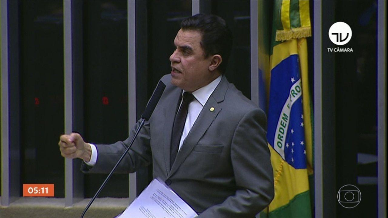 Câmara derruba decisão do ministro e devolve o mandato ao deputado José Wilson Santiago