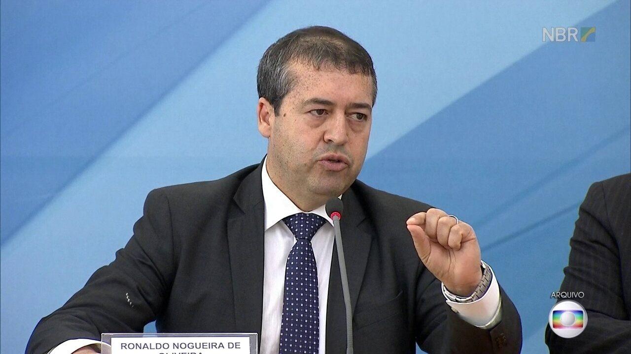 Ex-ministro do Trabalho é alvo de busca e apreensão em operação da Polícia Federal